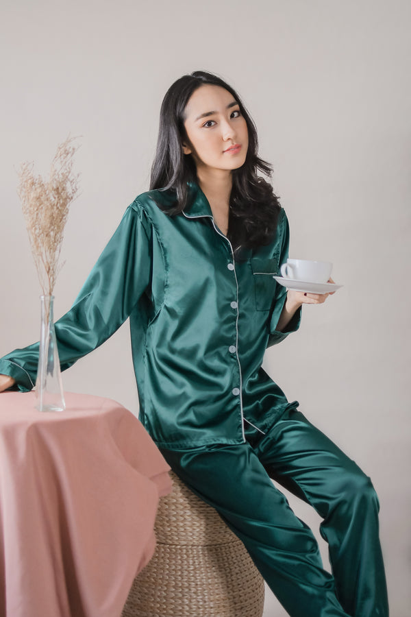 Fiora Satin Pajamas Set in Emerald