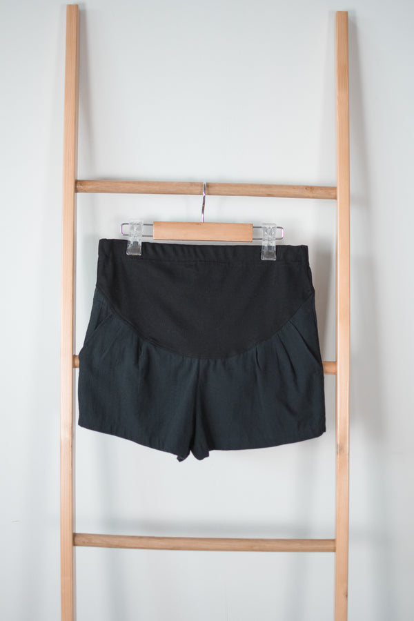 Bryna Linen Maternity Shorts in Black