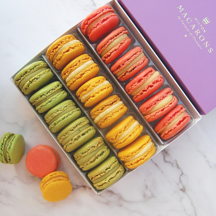 18 Macarons - Three Flavours