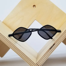 Load image into Gallery viewer, Black Hexagon Sunglasses