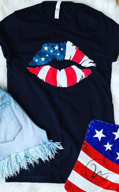 USA Lip Black Tee