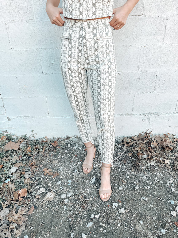 Reputation Snake Twill Pant