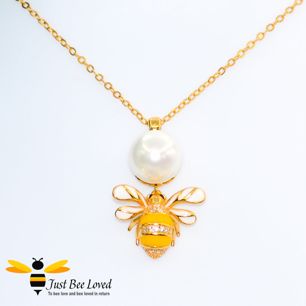 Sterling Silver 925 Freshwater Pearl and Bee Necklace with mother of pearl wings and white zircon. Gold plated
