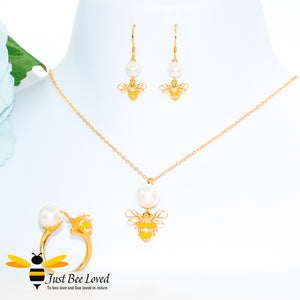 Sterling Silver 925 gold plated Freshwater Pearl & Bee 3-piece jewellery set featuring matching ring, necklace and earrings