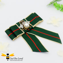 Load image into Gallery viewer, Ladies green Ribbon Crystal and Pearl Bee Bow Tie