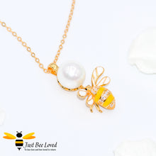 Load image into Gallery viewer, Sterling Silver 925 Freshwater Pearl and Bee Necklace with mother of pearl wings and white zircon. Gold plated