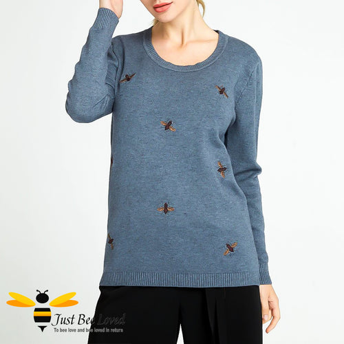 Women's knitted crew neck jumper embroidered with bumblebees in grey