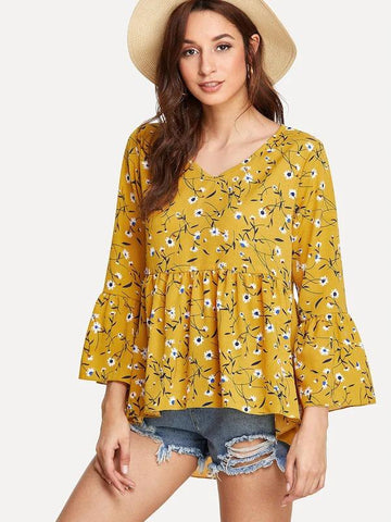 Fluted Sleeve Calico Print Dip Hem Top