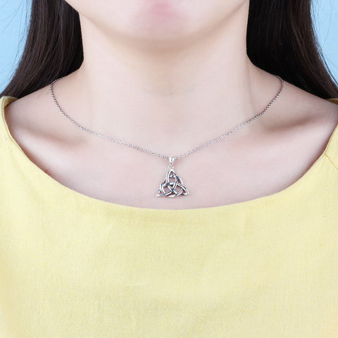 Vintage Jewelry Triquetra Trinity Knot Pendant Necklace