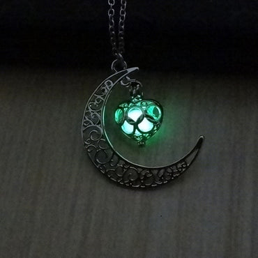 Silver Link Luminous Stone Pendant Necklace