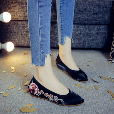 Handmade Flowers Embroidered Cotton Fabric Pointed Toe Ballet Flat  Shoes