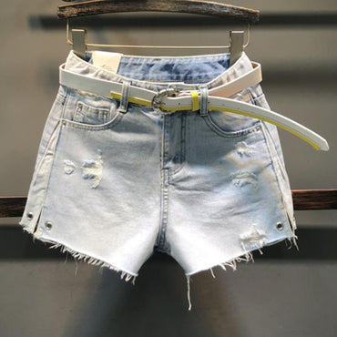 Hole denim shorts