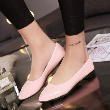 small pointed candy color with patent leather  Flat shoes
