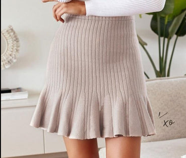 A-line high waist mini knitted skirt