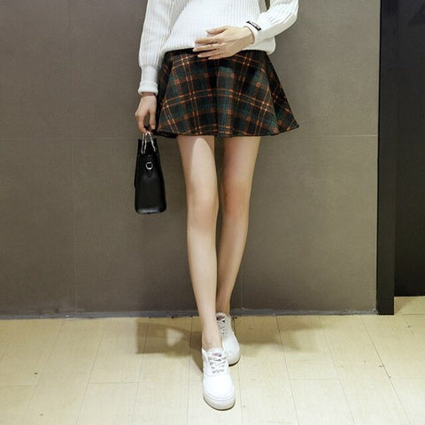 Korean version of the woolen plaid pregnant skirt