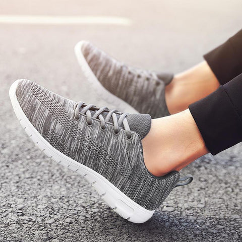 New  Lightweight Fashion Casual Sneakers