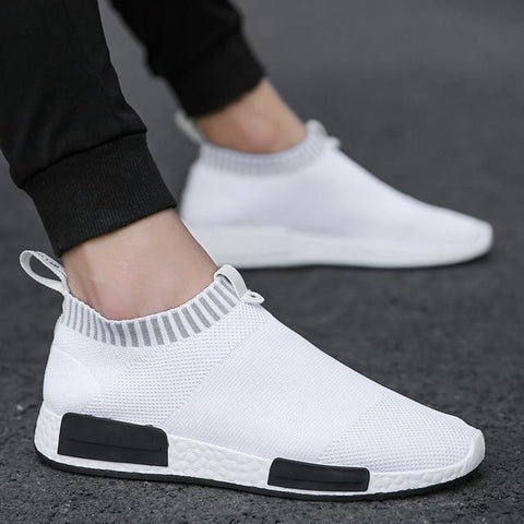 Lightweight Red Sock hot sneakers White Breathable Slip-on Casual fashion shoes