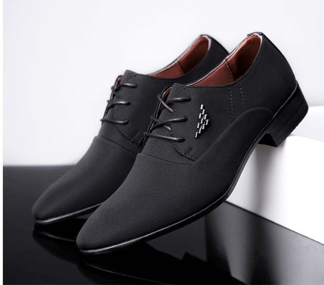 British fashion  wedding Business dress shoes man Pointed toe brogue Bullock  office footwear shoes