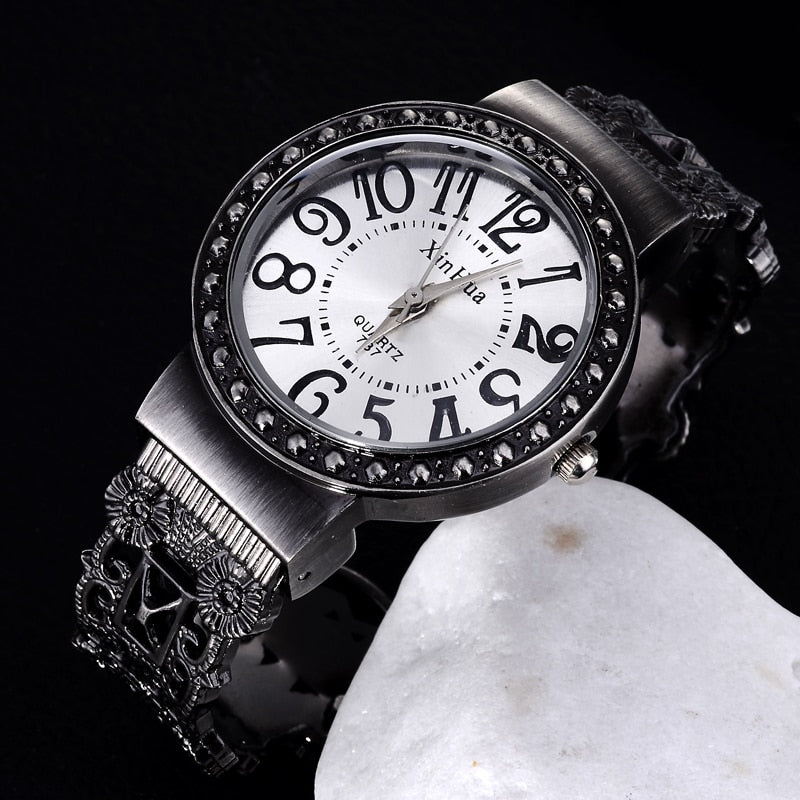 Vintage quartz wristwatch unique retro e watches