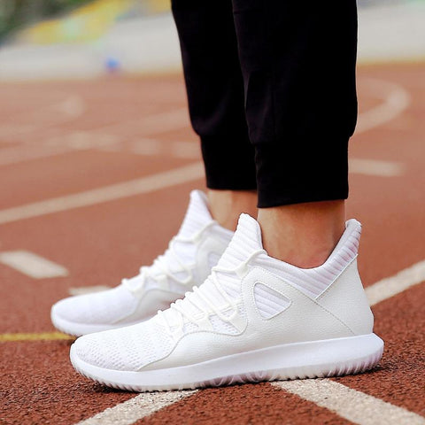 New Casual fashion shoes Comfortable Lace-up Unisex Light hot sneakers