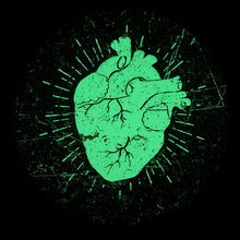 Laden Sie das Bild in den Galerie-Viewer, Einzelstück: NEON HEART (Glow in the dark) - 18 Zoll