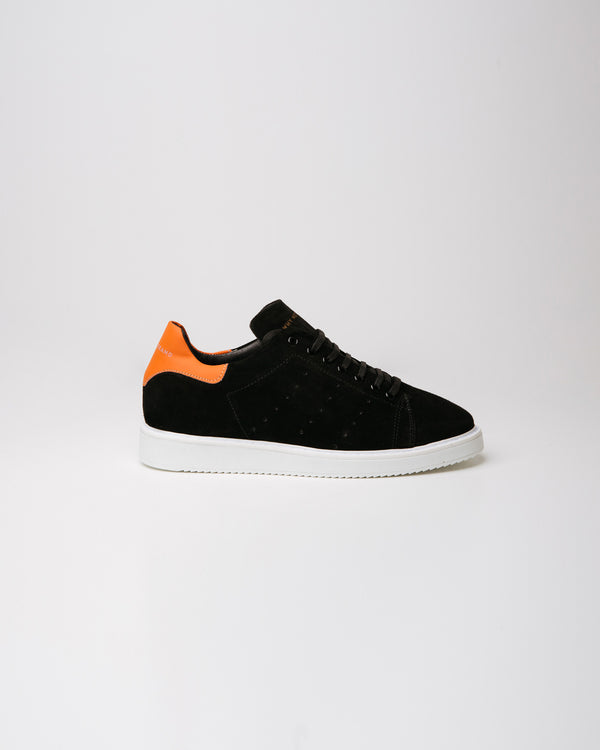One Suede Black