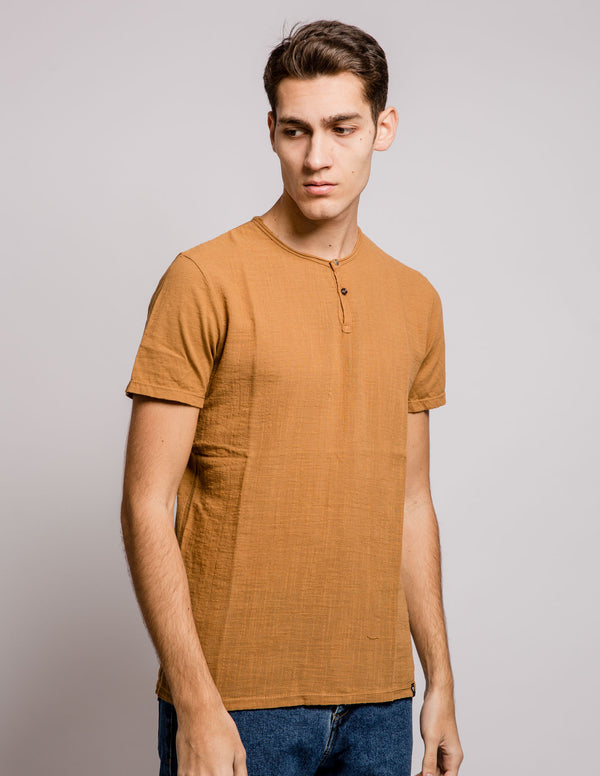 Button Tee Leather