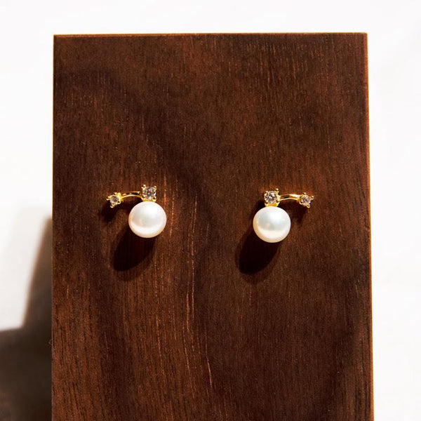 Earrings DANCING PEARL STUDS - GOLD VERMEIL Moi Accessories