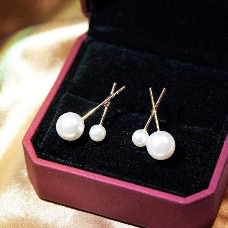 Earrings Modern Style Pearl Stud Earrings 14K Gold-Plated DEBBIE PEARL STUDS - GOLD VERMEIL Moi Accessories