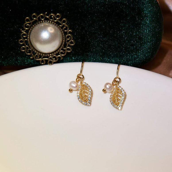 Earrings Romantic Gold Vermeil Gold Leaf and Natural Pearls Drop Earrings GOLDEN LEAF DROPS - GOLD VERMEIL Moi Accessories