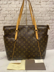 Louis Vuitton Totally MM Monogram Bag (DU3192)