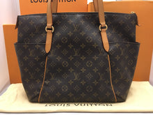 Load image into Gallery viewer, Louis Vuitton Totally MM Monogram Tote (TJ1170)