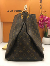 Load image into Gallery viewer, Louis Vuitton Artsy MM Monogram Hobo Bag (GI0142)