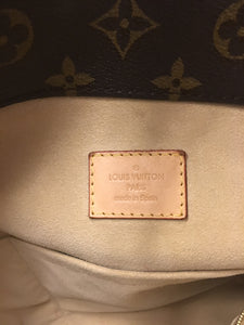 Louis Vuitton Artsy MM Monogram Hobo Bag (GI0142)