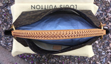 Load image into Gallery viewer, Louis Vuitton Artsy MM Monogram Hobo Bag (CA0141)