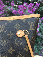 Load image into Gallery viewer, Louis Vuitton Neverfull MM Cherry Red Monogram Tote (AR1185)