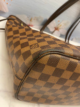 Load image into Gallery viewer, Louis Vuitton Neverfull MM Damier Ebene Tote (SD2178)
