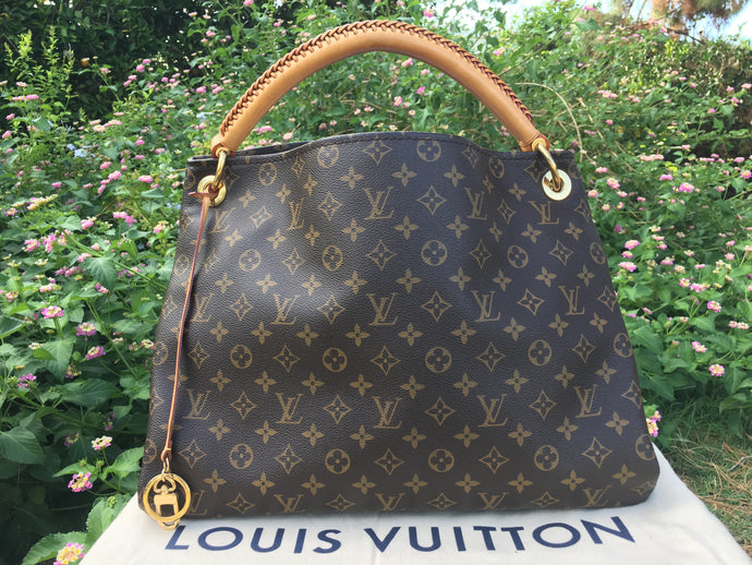 Louis Vuitton Artsy MM Monogram Hobo Bag (CA1141)
