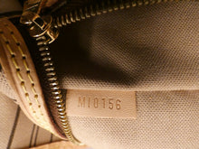 Load image into Gallery viewer, Louis Vuitton Delightful MM Bag (MI0156)