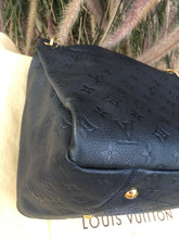Load image into Gallery viewer, Louis Vuitton Artsy MM Empreinte Dark Navy Interior Hobo Shoulder Bag (TR0172)