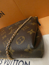 Load image into Gallery viewer, Louis Vuitton Pallas Noir Clutch Crossbody Bag