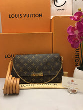 Load image into Gallery viewer, Louis Vuitton Favorite MM Monogram Crossbody Bag (DU2193)