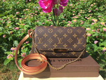 Load image into Gallery viewer, Louis Vuitton Favorite PM Monogram Crossbody Bag (DU0193)