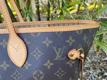 Load image into Gallery viewer, Louis Vuitton Neverfull GM Beige Monogram Tote (FL3190)
