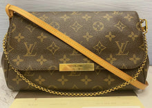 Load image into Gallery viewer, Louis Vuitton Favorite MM Monogram Clutch Purse (FL0156)