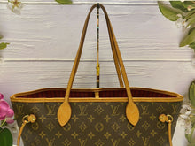 Load image into Gallery viewer, Louis Vuitton Neverfull MM Monogram Pink Interior Tote (AR0187)