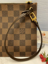 Load image into Gallery viewer, Louis Vuitton Neverfull MM/GM Damier Ebene Wristlet/Pouch/Clutch AR4146