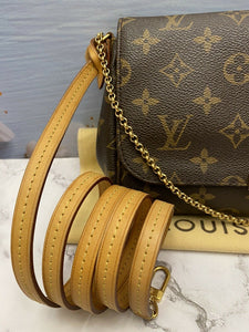 Louis Vuitton Favorite MM Monogram Clutch Purse (FL2133)