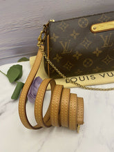 Load image into Gallery viewer, Louis Vuitton Eva Monogram Clutch Crossbody (MB3194)