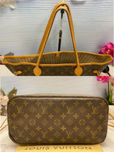 Load image into Gallery viewer, Louis Vuitton Neverfull MM Monogram Beige (CA4088)